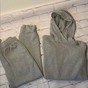 Boys Reebok Outfit size XL like new
